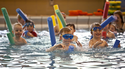 Swimming lessons leisure and culture dundee - Dundee swimming pool opening times ...