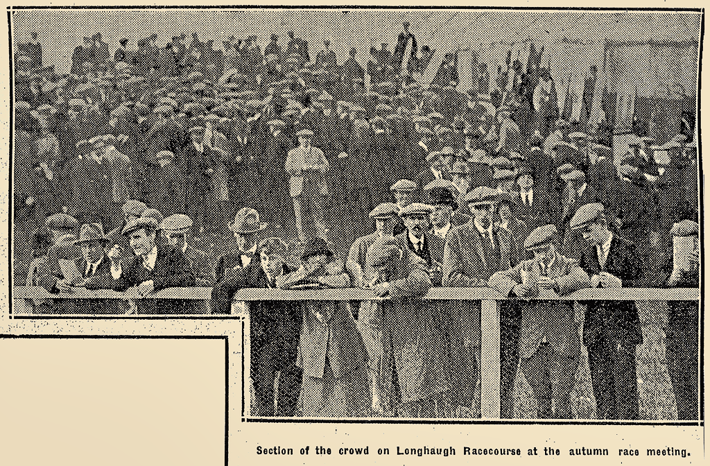 Crowd at the Autumn Race Meeting in October 1924