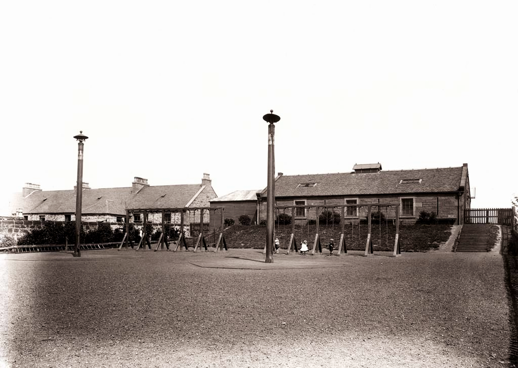 Children's Play Area in Clepington Road